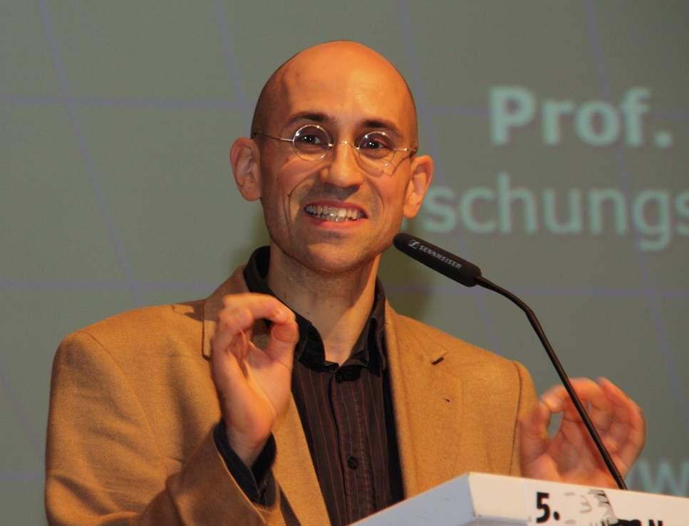 Herr Ekardt bei einem Vortrag